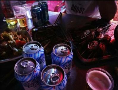为什么猛烈喝酒会导致突发性耳聋呢?