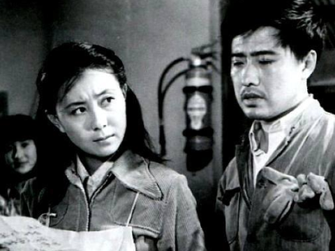 34年前,刘晓庆插足陈国军婚姻,原配赵雅珉的报复手段堪称一绝