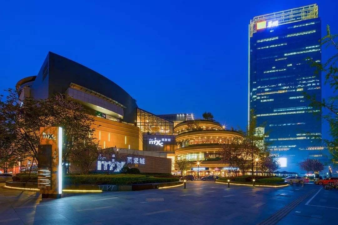 大湾区首单续发型类REITs设立;基汇资本百亿接盘太古香港物业 | 地产投资周报