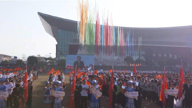 2020年11月12日上午8:00,广西民族大学一年一度的运动会开始了……