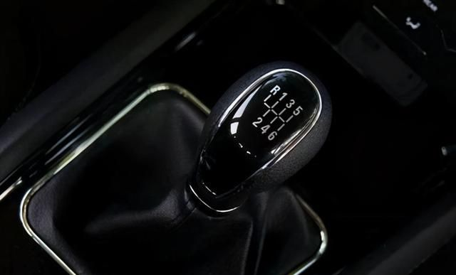 如何控制好手动车型的换挡速度,到底几千转换挡才最为好