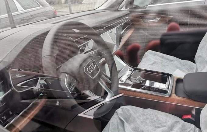 奥迪新款Q7到店实拍,配置升级,预售不涨价,车都能提了