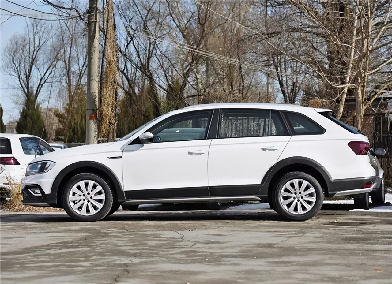车300:彻底失败的大众车,1.5L+6AT,跌至8.18万,月销量竟为0