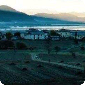 初冬蓝,在云南香格里拉纳帕海都能看尽