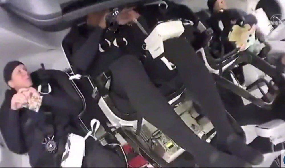本次前往空间站第五位乘客,作为零重力指示器的尤达宝宝