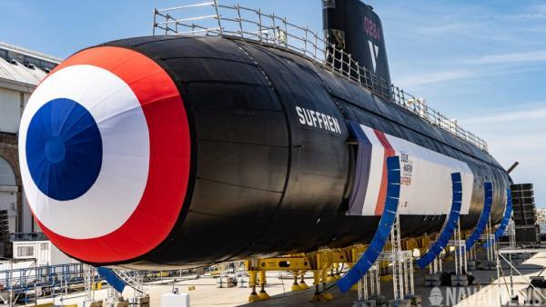 """法国首艘""""梭鱼""""级攻击型核潜艇""""絮弗伦""""号正式交付"""