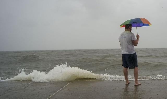 暖湿气流太强了;有一份大风警报生效……