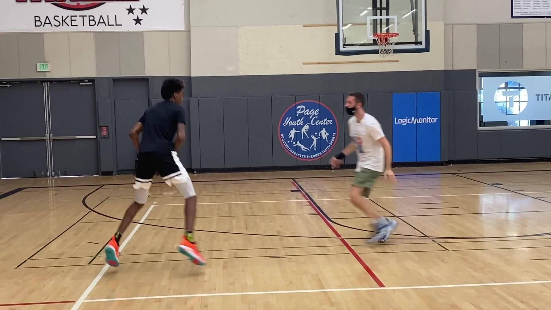 2020选秀前训练:杰登-麦克丹尼尔斯 (Jaden McDaniels)…………