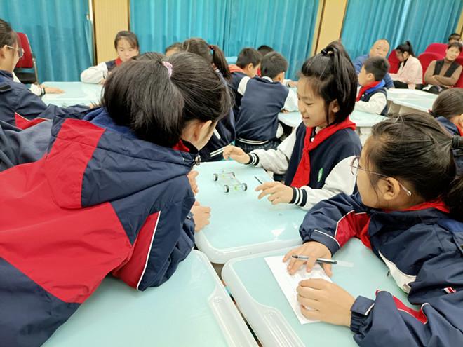 注重体验,激活课堂  东阳市城东中心小学开展科学教研活动