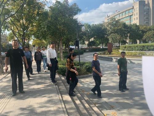 平湖市交通运输执法队工会组织开展户外健步走活动
