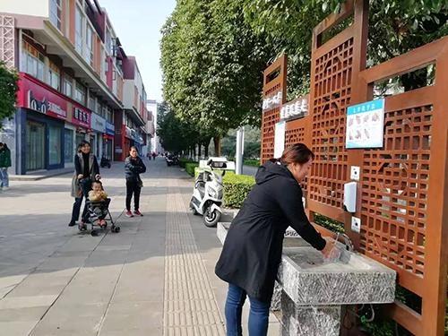 """华宁县深入开展爱国卫生""""7个专项行动"""""""