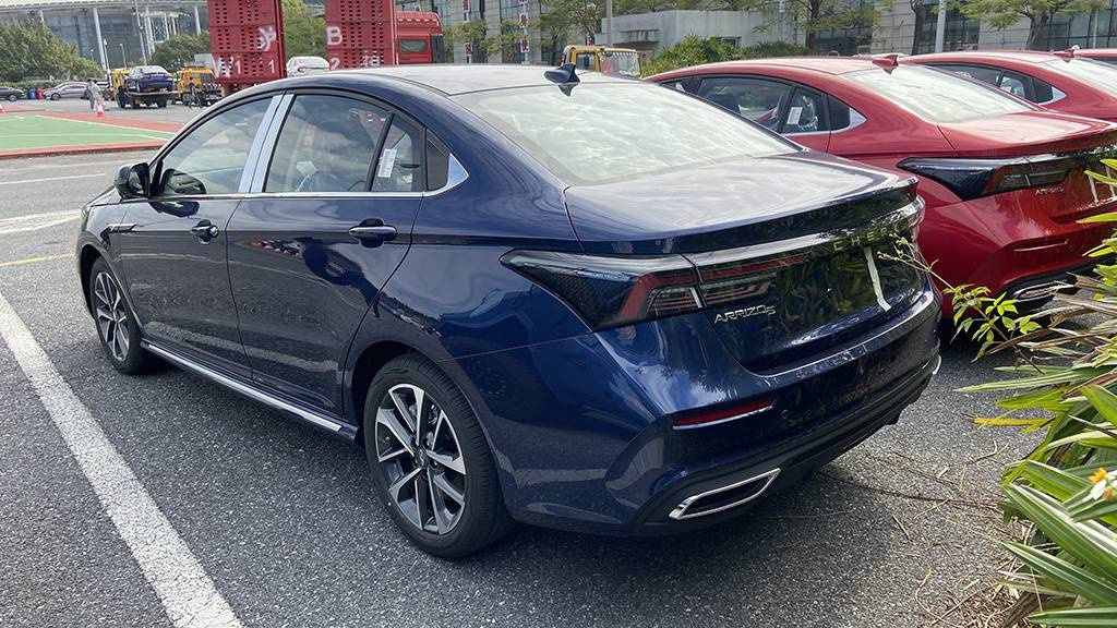 2020广州车展:抢先实拍艾瑞泽5 PLUS,熏黑中网凸显运动气息