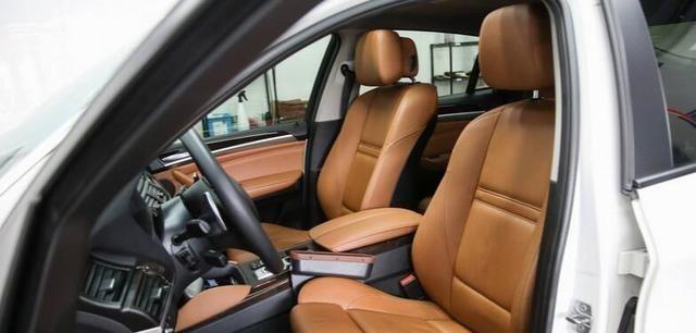 如何清洁汽车内部?记住这些技巧,干净快速又不会损坏汽车
