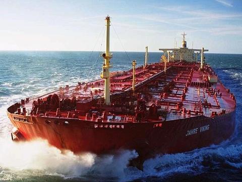 世界上最大的船,能运输400万桶原油,排水量相当于15艘辽宁号
