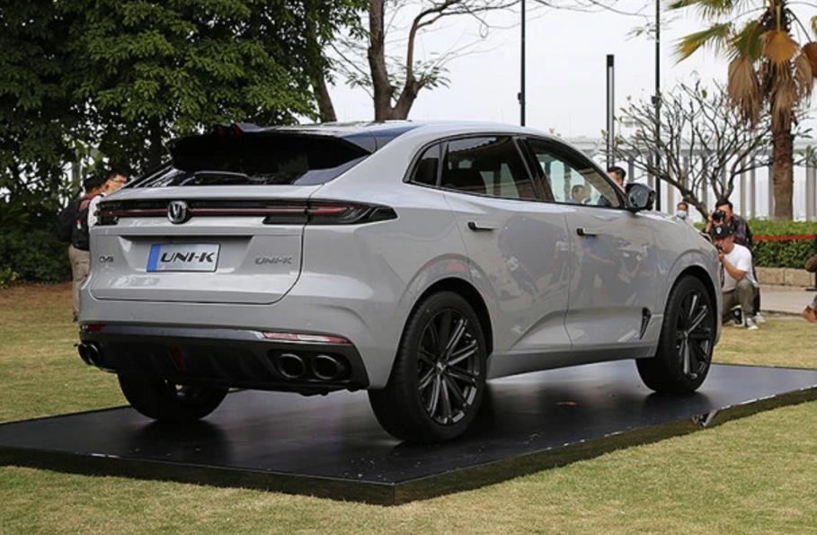 轴距近2米9 匹配2.0T+8AT 长安高端SUV车展首发