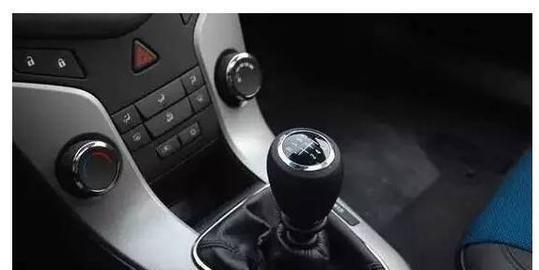 想要开好手动挡汽车,只要会这几个小技巧就差不了,你会了嘛