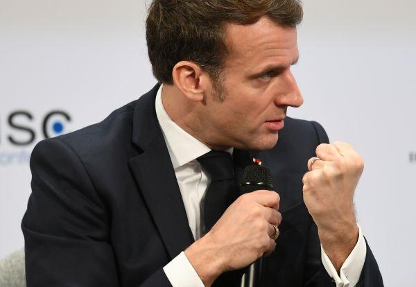 """马克龙炮轰英美媒体将法国暴力活动""""合法化"""""""