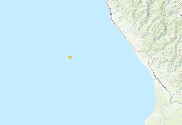 印尼苏门答腊岛近海5.3级地震 震源深度53.5公里