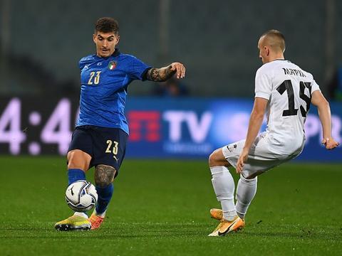 迪洛伦佐:球场上表现会证明意大利能走多远 我们想成欧洲杯主角
