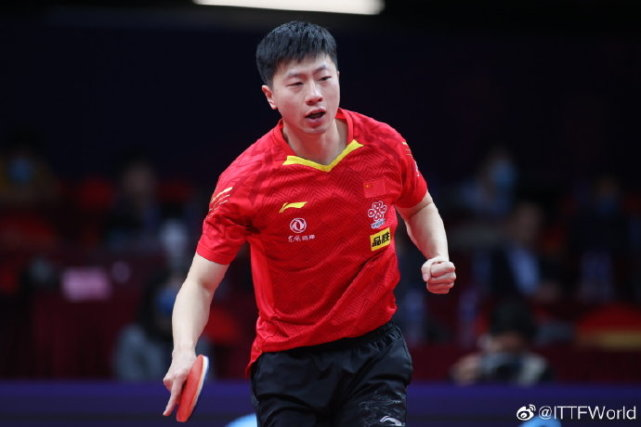 CCTV5直播总决赛,4-3打哭张本智和,樊振东马龙许昕强势冲冠