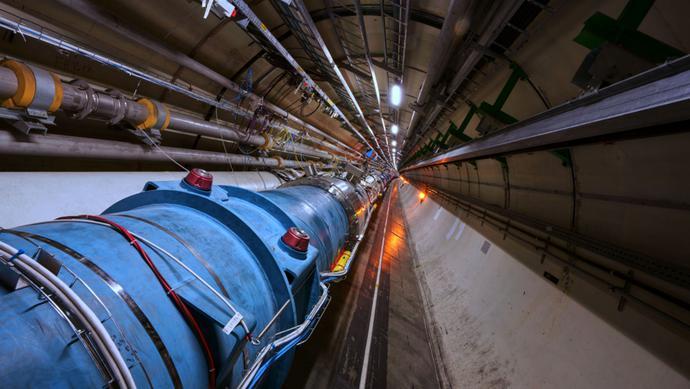 耗时28年完成,中国粒子对撞机造价高达1400亿,杨振宁至今反对