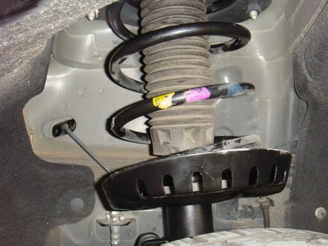 怎么知道汽车减震器坏了?必须成对更换吗?