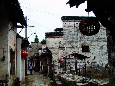 """安徽耗资10亿的古镇,被称为皖南""""小西塘"""",门票0元值得一游"""