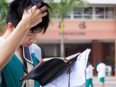 复读生和应届生同样参加高考,录取时有啥区别,考生和家长要知道