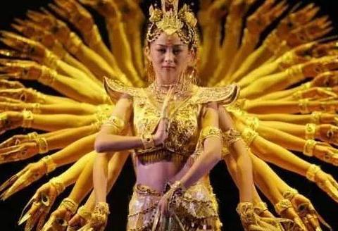 """被富豪追求8年,成第一位""""聋哑舞蹈家""""的邰丽华,如今如何了?"""
