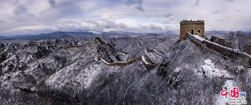 看雪舞金山岭 登长城赏风景不小心就会白了头