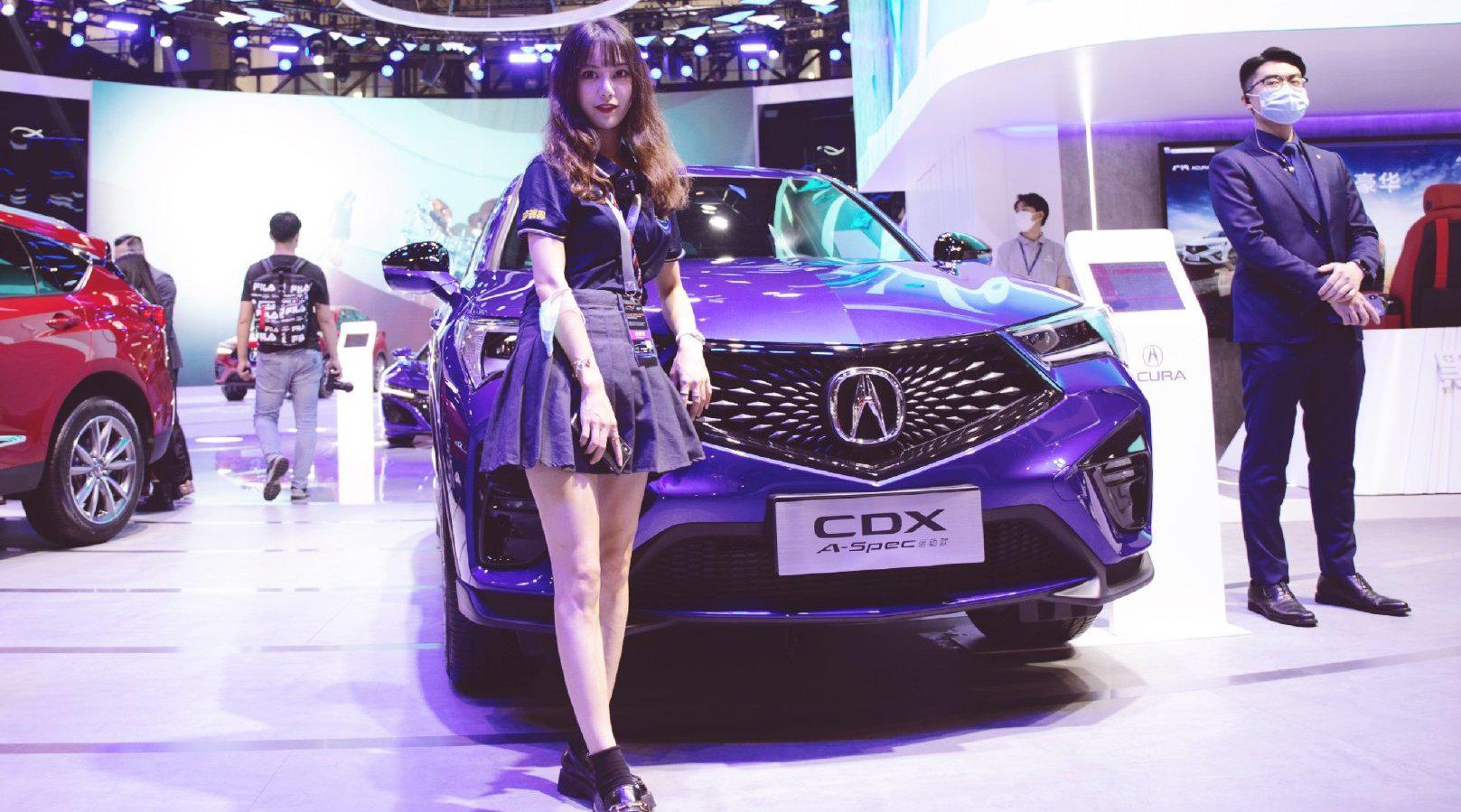 视频:实拍讴歌CDX,售价22.98万起,比起奥迪Q3、宝马X1,谁颜值更高?