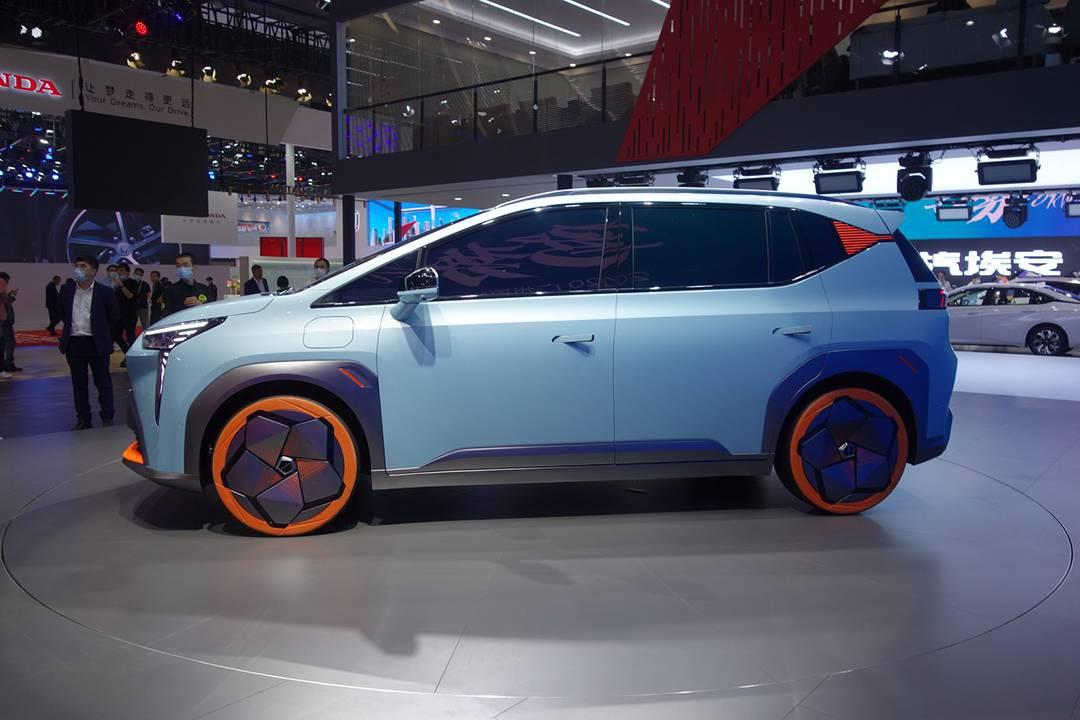 2020广州车展:抢先实拍广汽埃安Y 造型科幻/打造纯电运动