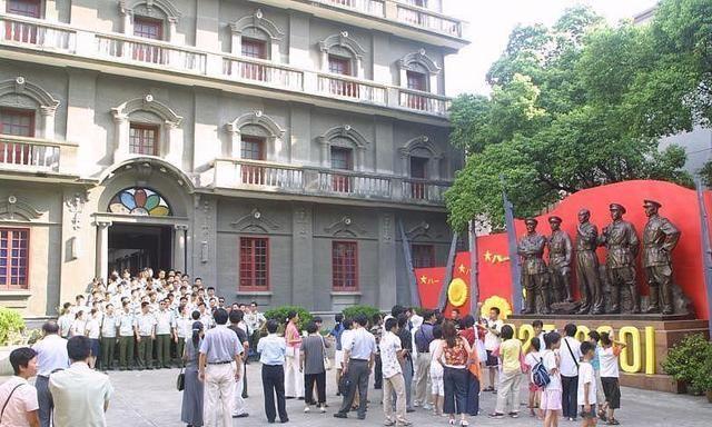 江西南昌一出名旅游景点,不是绳金塔,也不是滕王阁