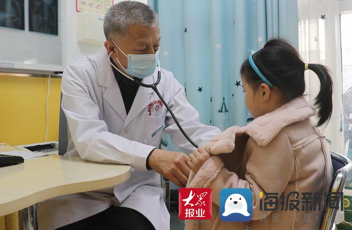 """""""哑科""""的领头人李宏向:为众多患儿撑起生命的绿荫"""