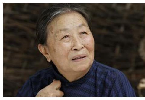"""""""丑娘""""张少华:为还儿子房贷不断拍戏,今83岁累坏身体无人陪"""