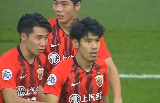 上海上港本土球员再发威,感谢对方后卫,让门将陈威刷了一个助攻