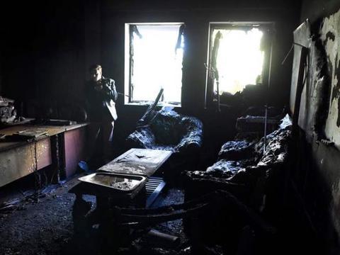 阿富汗首都喀布尔,遭火箭弹袭击,死亡人数升至50人