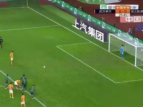 姚均晟开场送两次威胁球!对攻4大国脚球队!还是被判了点球