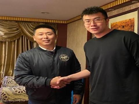 恭喜李楠!曝江苏男篮窗口期拿下两大悍将,杜锋鸡飞蛋打难卫冕