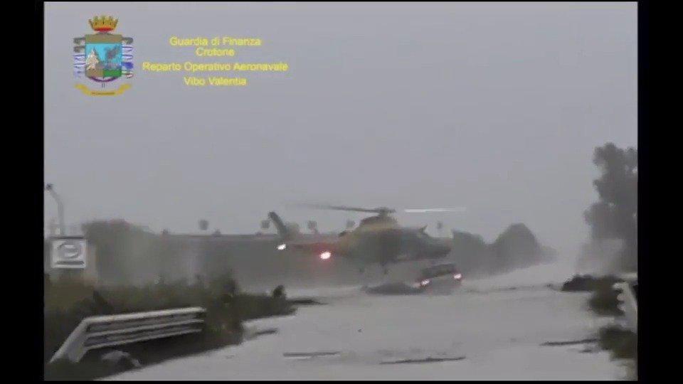 意大利克罗托内昨天的暴雨