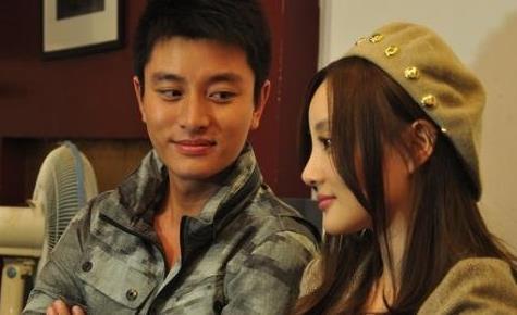 娱记曝出李小璐和贾乃亮的黑幕,两人因赡养费闹掰?没感觉出来