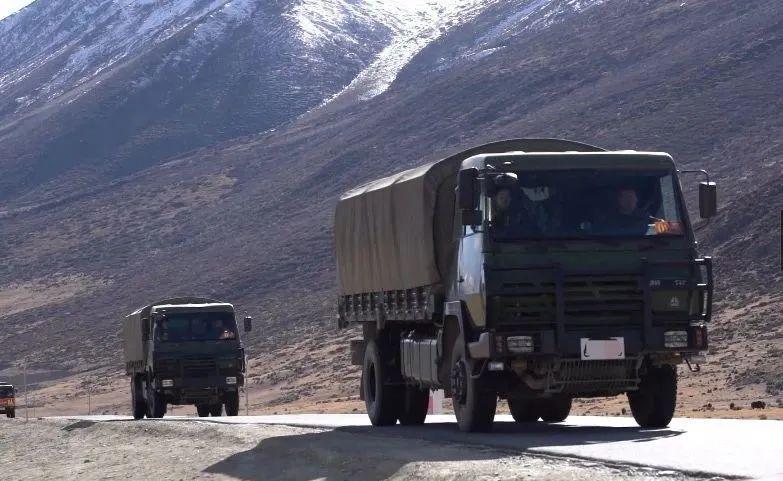 数千吨过冬物资,已运抵西藏边防!图片