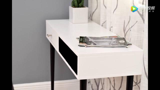 纯手工制作的简约型电视柜,黑白的搭配显得更有现代感
