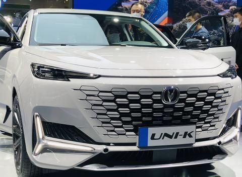 2020广州车展SUV,2.0T+8AT的UNI-K和8.9万起的哈弗初恋齐亮相
