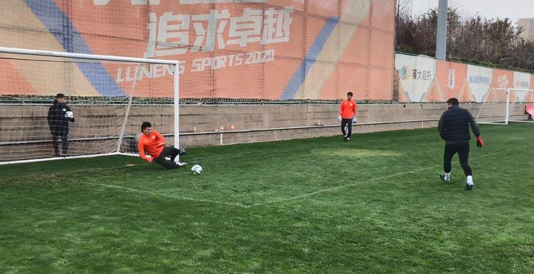 鲁能出征足协杯时间确定,备战又有好消息,主力晒训练动态或复出
