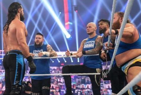 """罗曼""""金手套""""巩固WWE头牌地位,今年5v5淘汰赛红队赢得好过分!"""