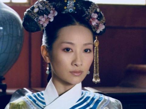 甄嬛传:安陵容为得宠在冰上跳舞,谁看见叶澜依的表情了?