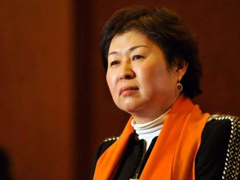 中国第一位女首富:把不起眼的生意,做到中国最大,今坐拥420亿