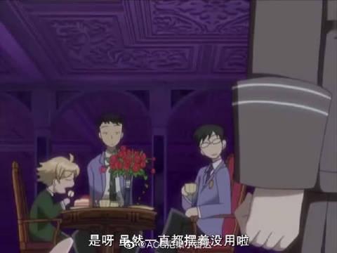 樱兰高校男公关部:环在弹钢琴,他弹的真好听,嗣郎很是佩服