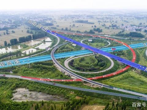 从商丘回柘城的高速匝道,终于快通了!